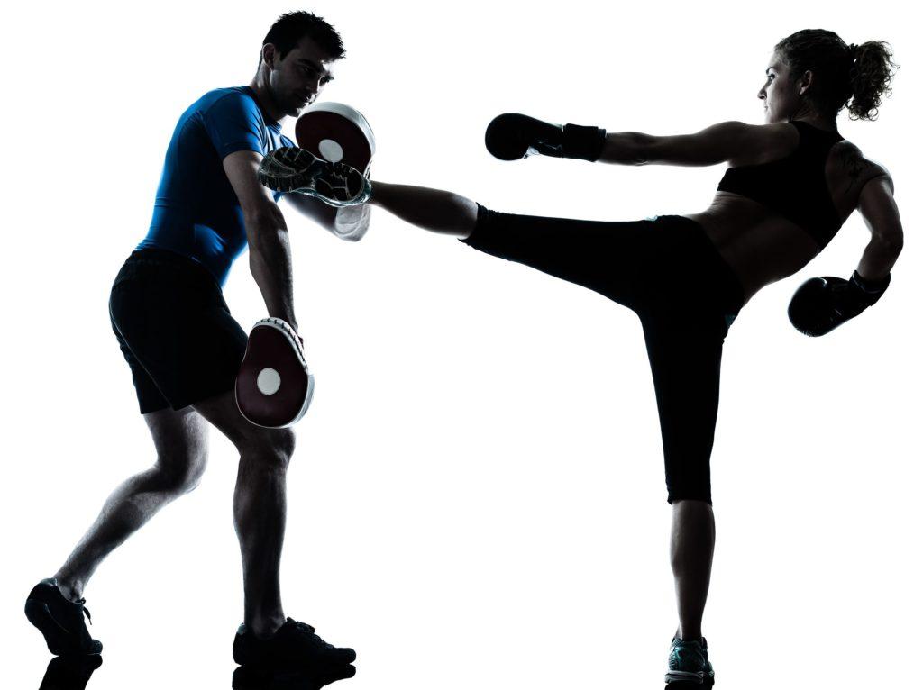 Man und Frau beim Cardio-Workout