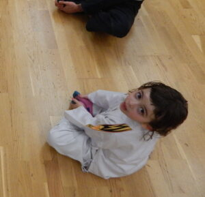 Theorieunterricht beim Kindertraining bei WingWarrior 2